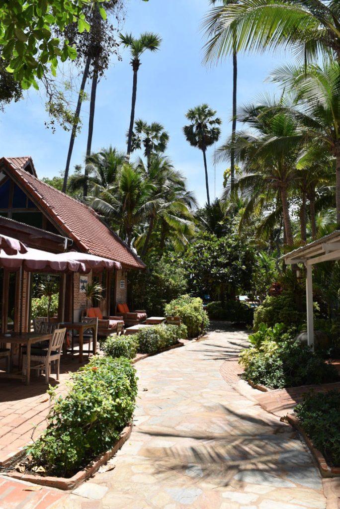 Looking for a quiet, tropical Beachside retreat just a short drive from Bangkok? Introducing the Rabbit Resort on Dongtan Beach, Jomtien 4