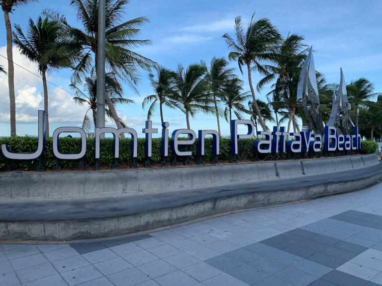 Pattaya and it's 7 best Beaches Explained 26