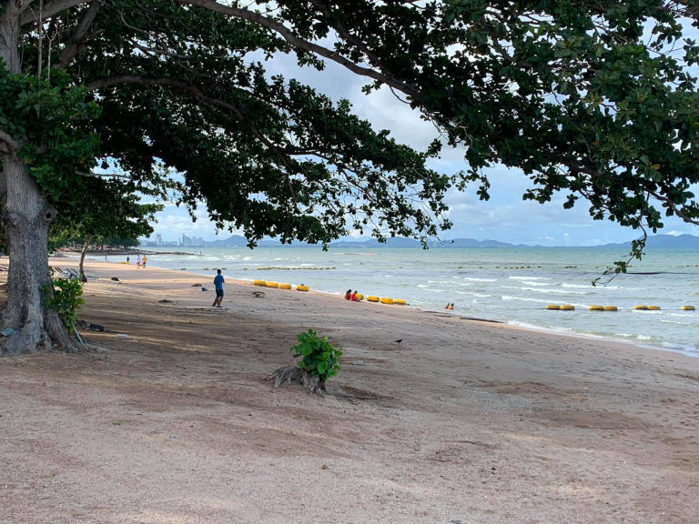 Pattaya and it's 7 best Beaches Explained 16